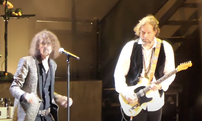 """Watch Peter Wolf Join The Black Crowes for """"Cry One More Time"""" and """"Looking For A Love"""" in Massachusetts"""